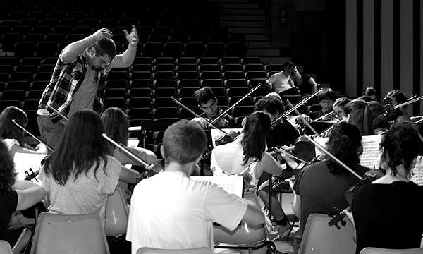 biographie-GUITOTI-direction-orchestre-ensemble-philarmonique-blackwhite