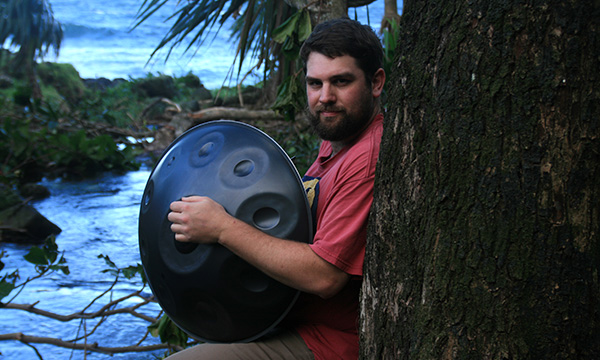 biographie-GUITOTI-handpan-hang-musique-percussionniste