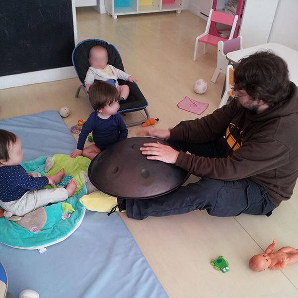 enfant_eveil-musical_guitoti_intervenant_DUMI-2